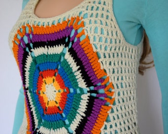 Vintage 1970's Women's Charlie's Girls  HiPPiE BoHo Crocheted Woodstock RAINBOW Web Cropped Sweater Vest Size XS / S