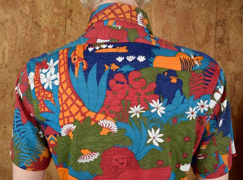 Vintage 1970/'s Men/'s THE KNITMAN Robert Bruce Psychedelic Cartoon Jungle Animal Print Patterned Hawaiian Novelty Hippie MOD Shirt Size M