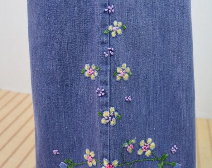 Vintage 1970's Women's Embroidered Butterfly Flower HiPPiE Low Rise Hip Hugger BeLL BoTToM WooDsToCk Denim Jeans 32 x 31 Size M
