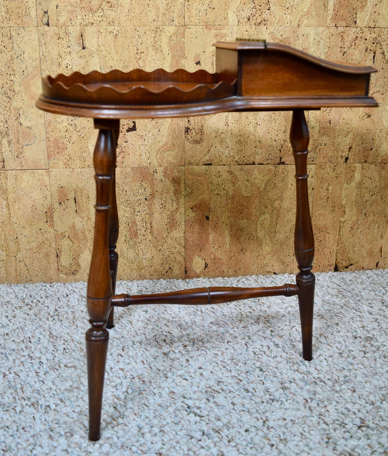 Vintage 1950/'s Mid Century Cigar Humidor Wooden Side End Table Furniture Smoking Tobacciana