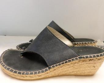 245b0d5a0 Vintage Wedge Sandalls Andre Assous Shoes Espadrilles 8.5 Navy Spain 2.5