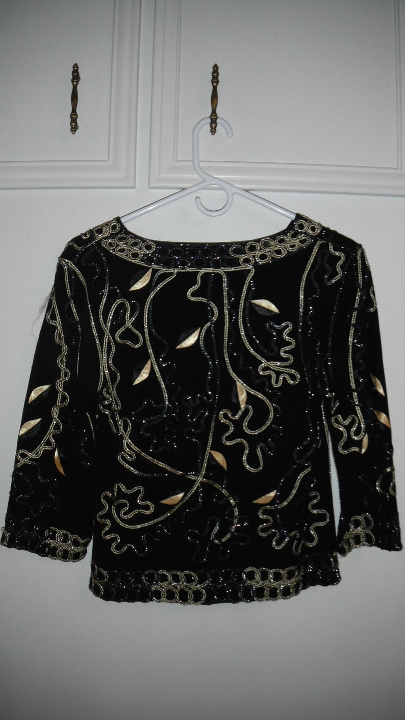 Vintage SEQUIN Black /& Gold Knit  Top Small 34 .bell sleeves.Bell Sleeves  Tunic Top  Avant Garde Bust 34 V Neck
