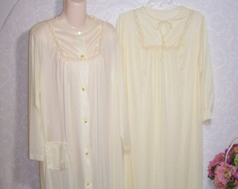 bbe89c0ba9 Size Medium - 2 Piece Peignoir Set - from Nancy King Lingerie - Long Sleeve  - Full Length - Neglige - Nightgown - Robe - Yellow