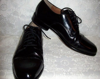 7b9a3dd9b95 Vintage Men s Black Patent Leather Cap Toe Oxfords by Bostonian Size 8 1 2  Only 18 USD
