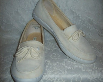 Vintage Ladies Off White Canvas Slip On Boat Deck Tennis Shoes Flats by Grasshoppers Size 7 Only 8 USD