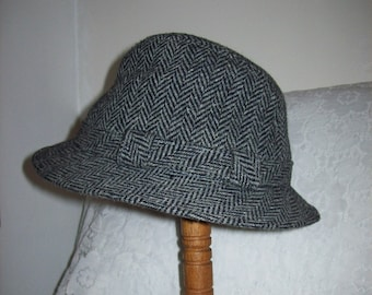 Vintage Men's Black & Gray Houndstooth Trilby Fedora Hat by Dorfman Pacific Small Only 6 USD