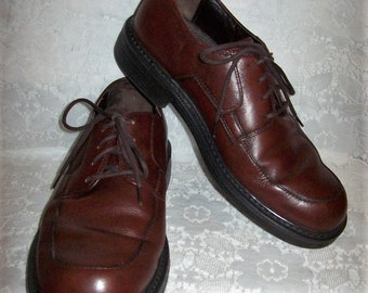 9ab8a00ee3 Vintage Men s Brown Leather Oxfords by Nunn Bush Size 10 1 2 Only 8 USD