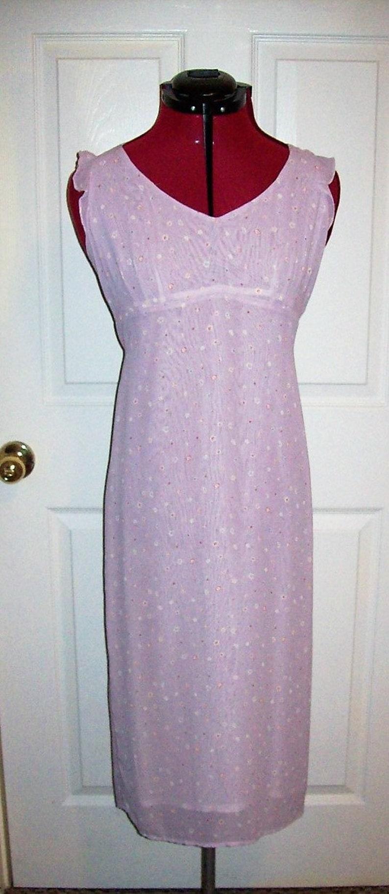 Vintage Ladies Lavender Purple Floral Print Sleeveless Chiffon Dress by Tessuto Size 6 Only 6 USD