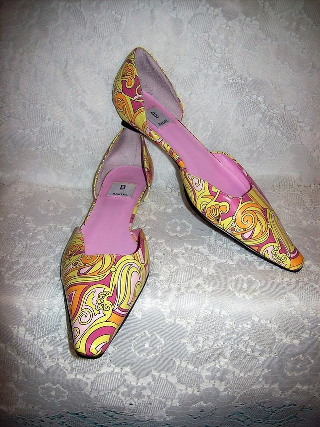 4f2b94bd298d1 Vintage Ladies 1980s Multicolor Psychedelic Paisley Point Toe Flats by  Bakers Size 6 Only 11 USD