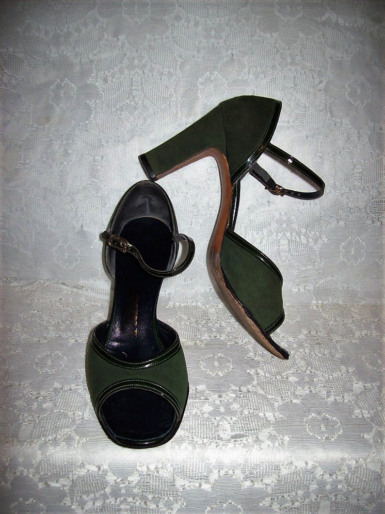 ee18751f8eef0 Vintage 1940s 50s Green Suede Open Toe Strappy Sandals by Palter Size 6 1/2  Only 20 USD