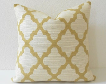 Yellow and ivory morrocan quatrefoil decorative pillow cover