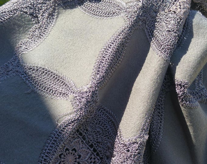 Vintage Japanese crochet and wool shawl for kimono dusky grey green with lace flowers