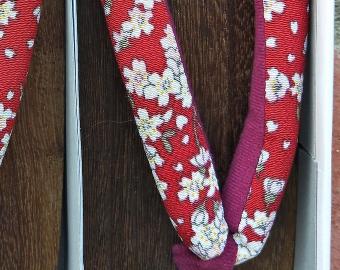 New unused Japanese women's geta. Burnt Paulownia wood 24 cm