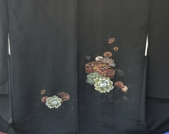 Vintage Japanese black silk haori  kimono jacket with woven urushi lacquerand  and metallic threads