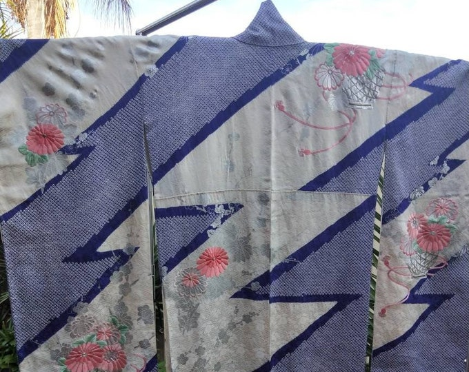 Vintage Japanese cream and rinzu shibori silk Furisode kimono w/ flowers and embroidery . Classical and sophisticated.