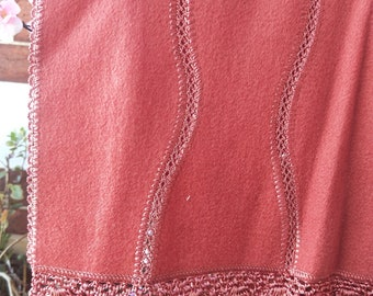 Vintage Japanese crochet and felted wool shawl for kimono dusky pink / brown