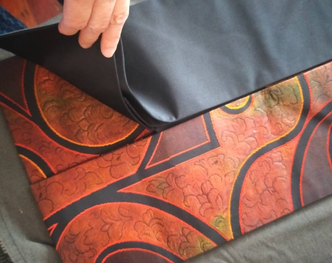 Beautiful vintage Japanese silk Nagoya obi, with abstract pattern and black ground