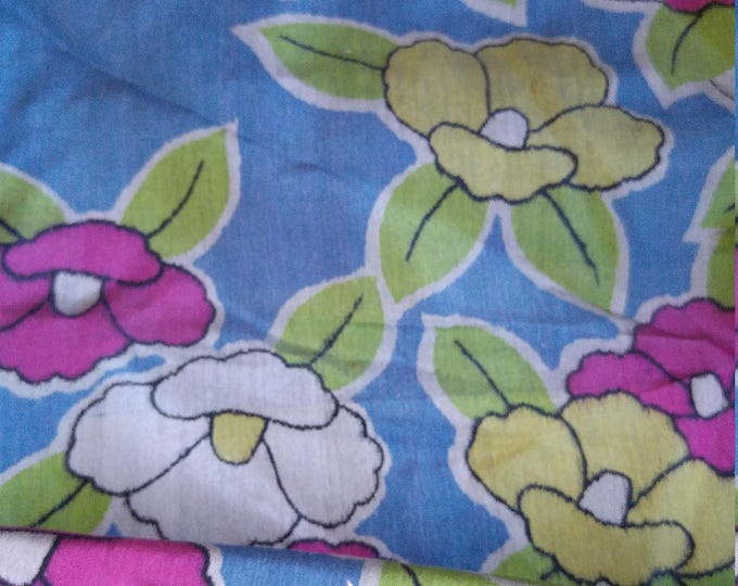 "Vintage Japanese kimono meisen silk fabric Camellia flowers 140 cm x 36 cm (55"" x 14"")"