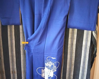 Vintage Japanese royal blue tsukesage rinzu silk kimono flowers and boxes embroidery, hand stitched. NOT MINT
