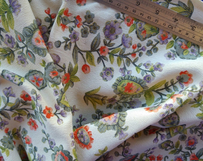 Vintage Japanese silk crepe kimono fabric 92 cm x 36 cm 1970's floral flowers
