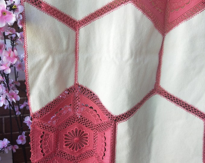 Dramatic Vintage Japanese crochet and felted wool shawl for kimono dusky pink and cream