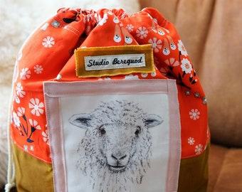 Bright flowers Project Bag Sheep/Schaap Studio Bereguod 34x30 cm