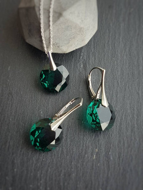 Emerald Green Earrings and Necklace Set, Green Round Magpie Gems, Irish Jewellery Gift, Sterling Silver Crystals Set, Made in Ireland Gift