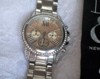 Wrist Watch New York & Company, Unisex, Silver Removable Links, Roman Numerals, Large Crystal, Tuxedo, Black Dress, Designer, Chronograph