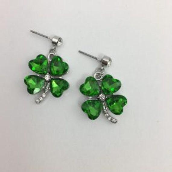St Patrick/'s Day Shamrock Earrings Irish Earrings Emerald CZ Shamrock Earrings 7004 Celtic Earrings Lead Free Pewter Dangle Earrings