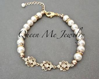 Yellow gold Swarovski pearl bracelet Classic Feminine pearl bracelet Pearl wedding bridal bracelet Jewelry Mother of the bride Bracelet BETH
