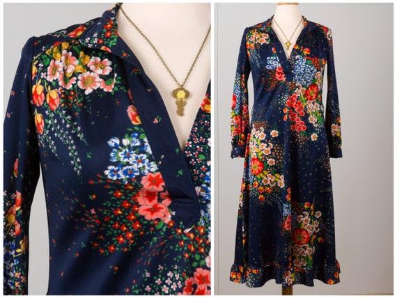 70's Vintage Floral Dress. Groovy, Flower Print, P