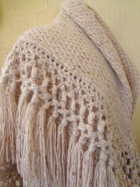 Heavy oatmeal color Natural Homespun Wool Shawl /… - image 3