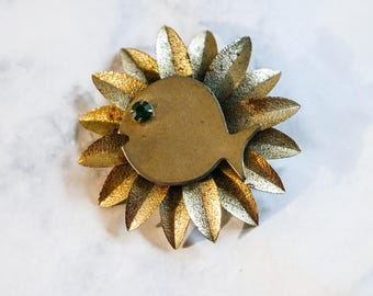 1950s 60s Vintage Fish Brooch Pin Goldtone Nautical Retro Pinup Sun Sunburst Style Petals Atomic Midcentury MCM