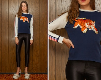 Vintage 70s 80s Navy Blue White Rainbow Striped Embroidered Shiny Orange Metallic Gold Tiger Velvet Patch Long Sleeve Ski Jumper Sweater S M