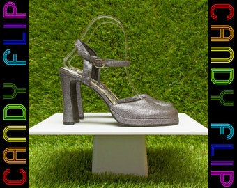 Vintage 90s Studio Metallic Gunmetal Silver Dark Gray Glitter Mary Jane T-Strap Goth Platform Strappy Ankle Strap Chunky Thick Heel Sandal 8