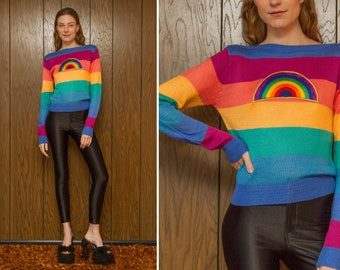 Vintage 70s 80s Shiny Rainbow Striped Gold Metallic Embroidered Patch Boatneck Lightweight Soft Thin Long Sleeve Sweater Jumper Blouse Top M