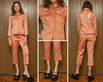 Vintage 70s Jacquard Paisley Red Pink Peach Embroidered Owl Bird Butterfly Flower Long Sleeve Ankle Capri Length 2 Piece Pantsuit Suit S M
