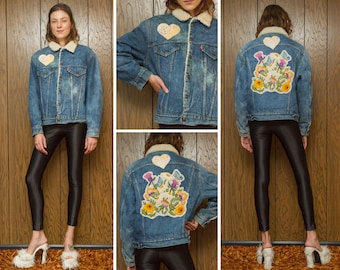 Vintage 80s Levis Levi's Sherpa Lined Flower Butterfly Pastel Floral Spring Flowers Back Patch Distressed Blue Denim Jean Jacket Coat M L 44