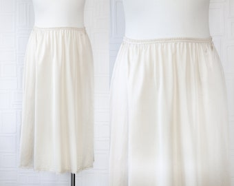 Vintage 70s 80s Classic Vanity Fair Champangne Gold Beige Shiny Lightweight Sheer Floral Lace Elastic Waist Below Knee Length Slip Skirt S M