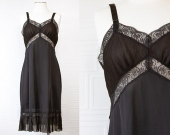 Vintage 70s 80s Charmode Black Pleated Thin Sheer Lace Sweetheart Neckline Adjustable Strap Gothic Princess Victorian Edwardian Slip Dress M
