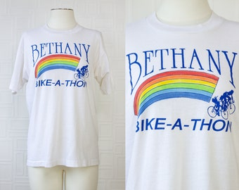 Vintage 80s Screen Stars Brand White Rainbow Bethany Bike A Thon Cotton Poly Shirt Pride Local Event Cyclist Competition Race T-Shirt Top L