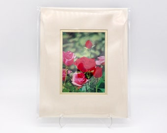 Vintage Lenticular 3-D Moving Art Print Red Pink Roses Flowers Floral Ivory White Gold Double Mat Metallic Ready to Frame in 8x10 image 4x6