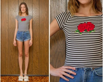 Vintage 90s Ribbed Red Rose Flower Appliqué Black Horizontal Stripe Striped White Gold Puffy Paint Graphic Cap Short Sleeve Blouse Top S M