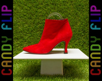 Vintage 70s 80s Bright Red Coup d'etat Soft Suede Leather Short Ankle Side Zip Pointed Toe Booties Thick Cuban Spanish Women's Heel Shoe 6 B