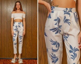 Vintage 90s Blue White Tropical Floral Leaf Pocket Hawaii Pin Up High Waist Fitted Capri Ankle Length Pencil Skinny Trouser Pants XS S