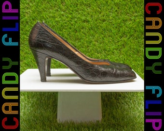 Vintage 90s Ralph Lauren Black Made in Italy Leather Classic Crocodile Pump High Heel Slip On Closed Toe Heels 8.5