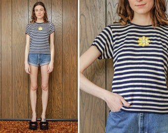 Vintage 90s Navy Blue White Yellow Sequined Sequin Flower Daisy Patch Appliqué Striped Stripe Short Sleeve Crew Neck Top Ribbed Blouse S M L
