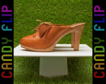 Vintage 70s 80s J.S. Raub Italian Shiny Leather Cognac Tan Light Brown Classic Thick Heel Slip On Platform Mule Clog Heels 41 / 10