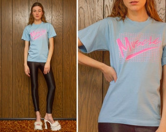Vintage 80s Screen Stars Cotton Poly Blend Small Light Baby Blue Pink Pastel Iron On Muscle Script Checker Graphic Exercise T-Shirt Top S