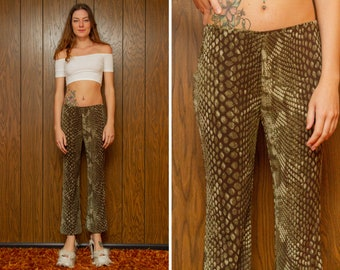 Vintage 90s Y2K Express Brown Tan Green Beige Snake Reptile Print Scales Cropped Bell Bottom Flare Elastic Stretch Waist Capri Pants M L